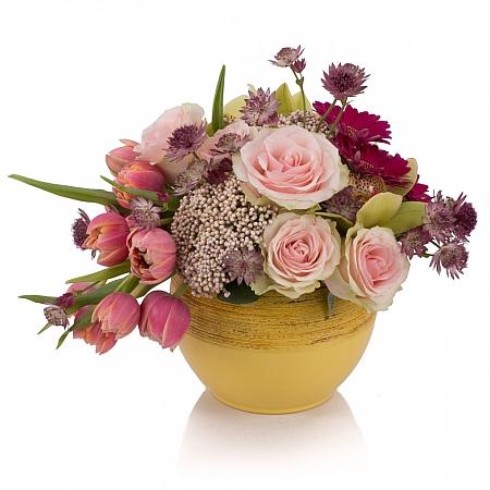 Aranjament de Trandafiri, Lalele, Lalea, Gerbera, Floare de orez, Cymbidium, Orhidee, Astrantia, Vas