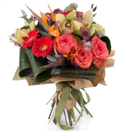 Buchet de Trandafiri, Corai, Cymbidium, Orhidee, Gerbera, Strelitzia, Streliţia, Astrantia, Verdeață