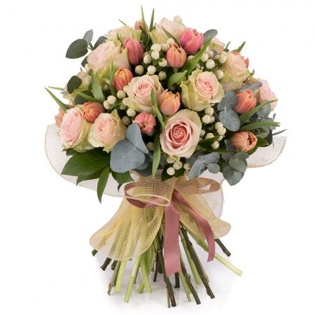 Buchet din 15, Trandafiri, Roz, Trandafir, 20, Lalele, Lalea, 10, Hypericum, Alb, Verdeață