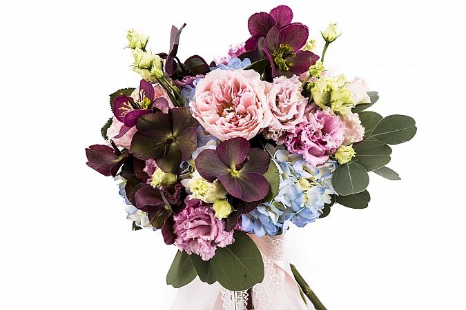 Buchet Mireasa/Nasa hortensie,trandafiri si heleborus