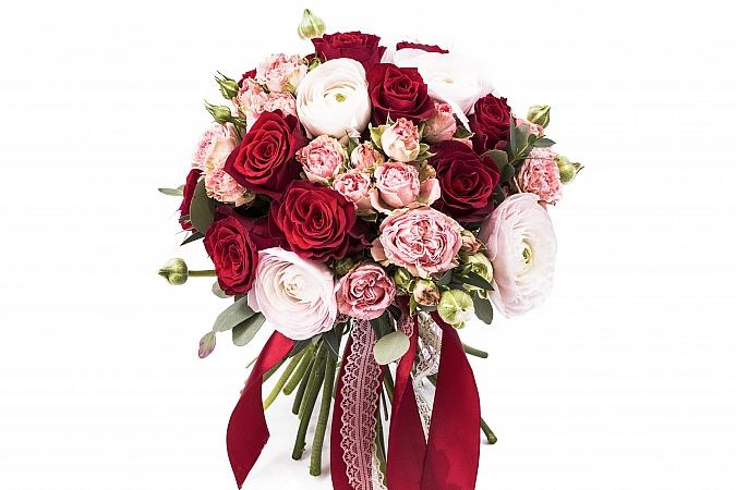 Buchet Mireasa/Nasa ranunculus si trandafiri rosii