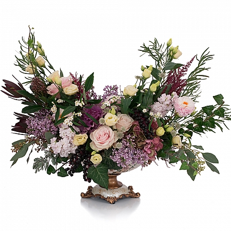 Trandafiri, Banan, Leucadendron, Liliac, Lisianthus, Matthiola, Hotensia, Brasica, Astilbe, Schimia