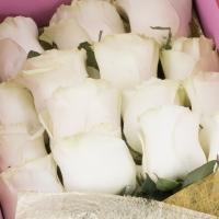 Aranjament de 15, Trandafiri, Albi, Cutie 4