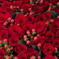 Aranjament din trandafiri roșii 4