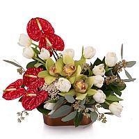 Aranjament floral din Anthurium, Lalele, Lalea, Cymbidium, Orhidee, Floare de orez, Verdeață, Vas 2