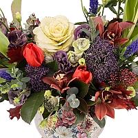 Aranjament floral din lalele, lisianthus, orhidee, veronica, trahelium, cymbidium, vas ceramic 3