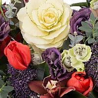 Aranjament floral din lalele, lisianthus, orhidee, veronica, trahelium, cymbidium, vas ceramic 4