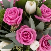 Buchet de 9, Trandafiri, Ciclam, 10, Lalele, Albe, Lalea, 5, Green trick, Verdeață 4