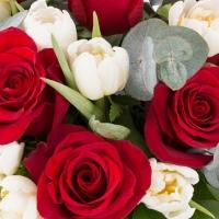 Buchet de 9, Trandafiri, Roșii, Roșu, 20, Lalele, Albe, Lalea, Verdeață 4