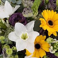 Buchet de Ornitogalum, Lisanthus, Mov, Trahelium, Gerbera, Galbenă, Eucharis, Grandiflora, Verdeață 4