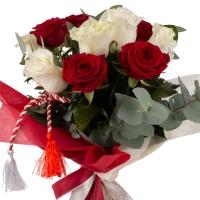 Buchet de Trandafiri Mărțișor, 6 Trandafiri albi, 5 Trandafiri roșii, Verdeață 5