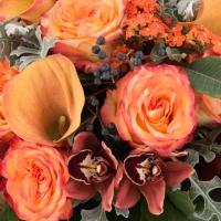 Buchet de Trandafiri, Portocalii, Cale, Cymbidium, Orhidee, Euphorbia, Viburnum, Blue, Muffin, Verde 4