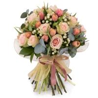 Buchet din 15, Trandafiri, Roz, Trandafir, 20, Lalele, Lalea, 10, Hypericum, Alb, Verdeață 2