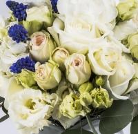 Buchet Mireasa/Nasa cu hortensia,trandafiri si minirosa 4