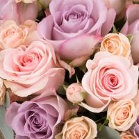 Suflet de floare: buchet trandafiri si minirosa incantator.  4