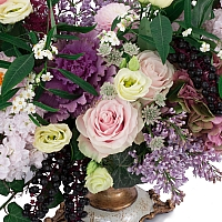 Trandafiri, Banan, Leucadendron, Liliac, Lisianthus, Matthiola, Hotensia, Brasica, Astilbe, Schimia 4