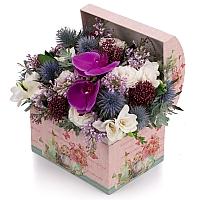 Aranjament de Liliac, Frezii, Alb, Frezie, Eryngium, Lisianthus, Schimia, Phalaenopsis, Cutie, Cufăr 2