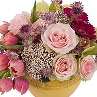 Aranjament de Trandafiri, Lalele, Lalea, Gerbera, Floare de orez, Cymbidium, Orhidee, Astrantia, Vas 3