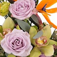 Aranjament din Strelitzia, Streliția, Trandafiri, Lisianthus, Astrantia, Cymbidium, Orhidee, Vas 3