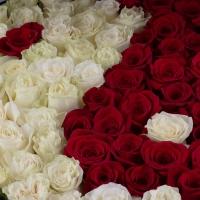 Aranjament din trandafiri yin și yang 3