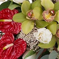 Aranjament floral din Anthurium, Lalele, Lalea, Cymbidium, Orhidee, Floare de orez, Verdeață, Vas 3