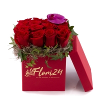 Aranjament floral din trandafiri și orhidee 2