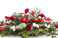 Aranjament floral funerar Trandafiri rosii , Trandafiri albi si Anthurium rosu 3