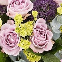 Buchet de 7, Trandafiri, Mov, 5, Lisianthus, Verde, Verzi, 5, Trahelium, Mov, Verdeață 3