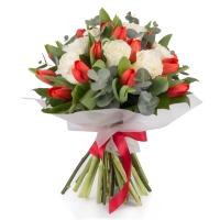 Buchet din, Lalele, Lalea, Roșii, Roşu, Trandafiri, Albi, Verdeață 2