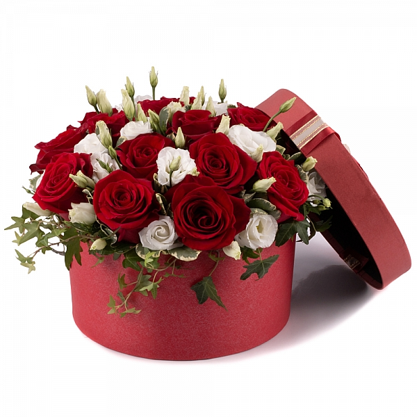 Aranjament din trandafiri și lisianthus