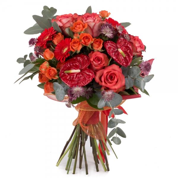 Buchet din trandafiri, gerbera și anthurium
