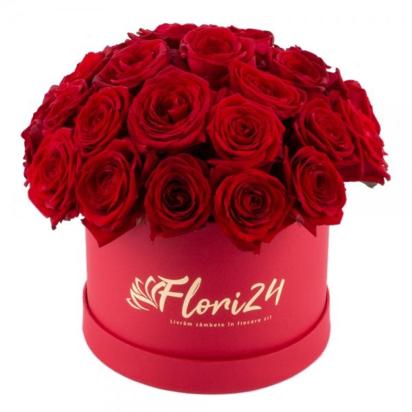 Cutie cu 27 de trandafiri