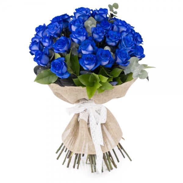 Trandafiri albastri, trandafiri maiastri. Cadou floral inedit.
