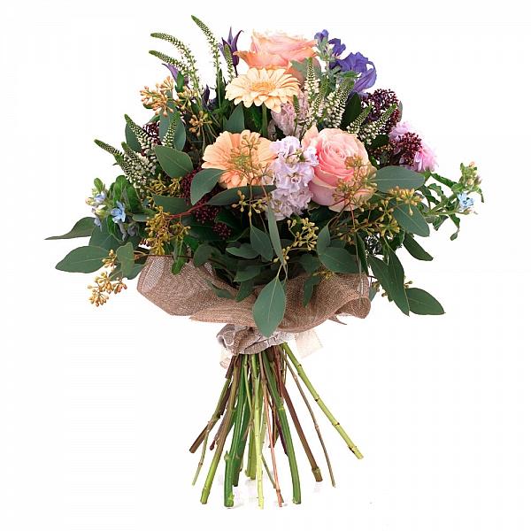 Buchet de Trandafiri, Dalii, Gerbera, Matthiola, Clematis, Schimia, Veronica, Oxypetalum, Verdeață