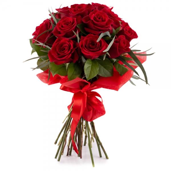 Știi ca te iubesc: buchet elegant cu 15 trandafiri rosii.