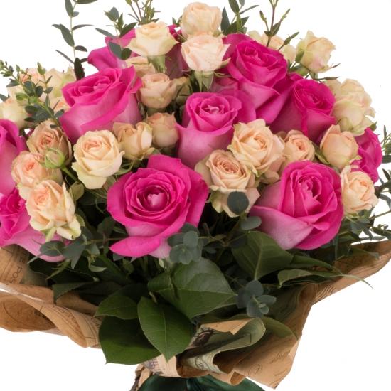 Buchet de 15, Trandafiri, Ciclam, 7, Minirosa, Crem, Verdeață