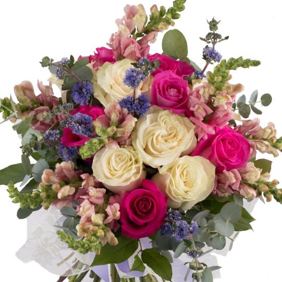 Buchet de 7, Trandafiri, Albi, 6, Trandafiri, Ciclam, 8, Antirrhinum, Roz, 6, Floare de mentă, Verde