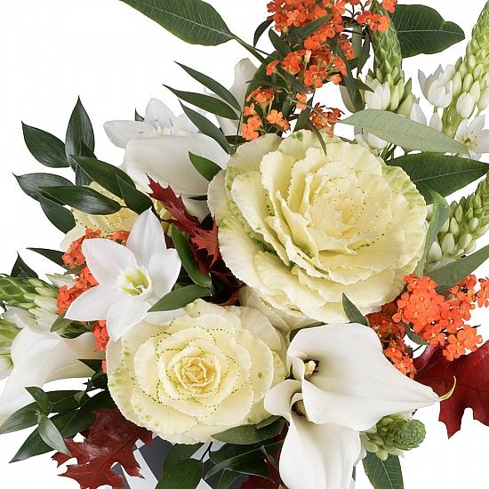 Buchet din Brasica, Euphorbia portocalie, Ornitogalum, Cale, Cală, Eucharis, Grandiflora, Verdeață