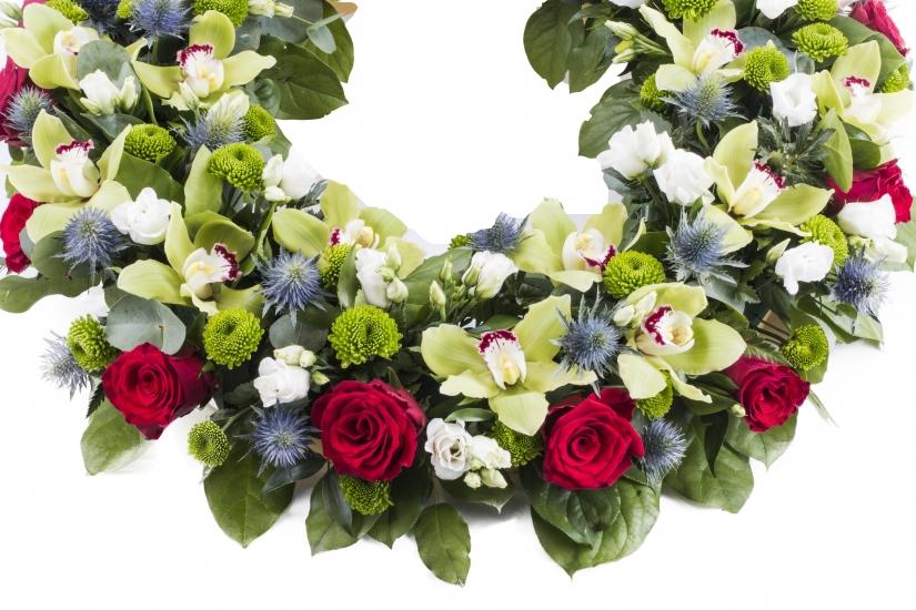 Coroana funerara rotunda trandafiri si cymbidium